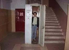 Жильцам дома, в котором лифт раздавил десятимесячного ребенка, предлагали скинуться на его ремонт или замену